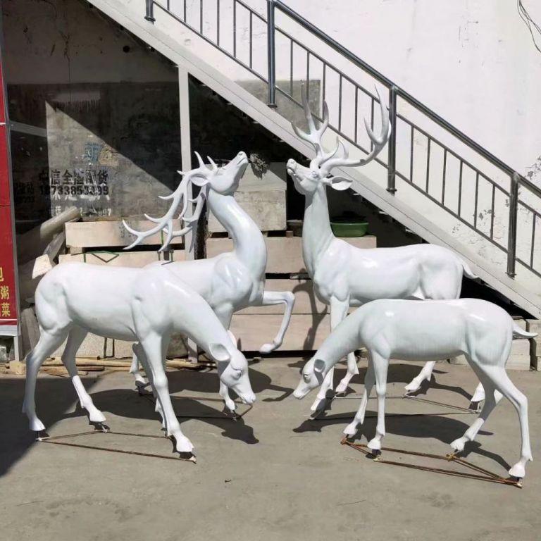白色小鹿1